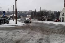 Takto vypadaly silnice v centru Zlína v pondělí ráno.