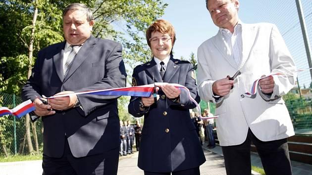 Slavnostní otevření hřiště a výcvikového prostoru a parkoviště pro techniku v hasičské stanici HZS Zlínského kraje ve Zlíně.