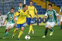 Druholigoví fotbalisté Fastavu Zlín (ve žlutém). Ilustrační foto