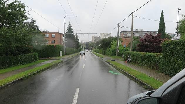 V pátek 3. července po jedenácté hodině dopoledne na tř. 2. května ve Zlíně havaroval na jízdním kole šestadevadesátiletý cyklista.