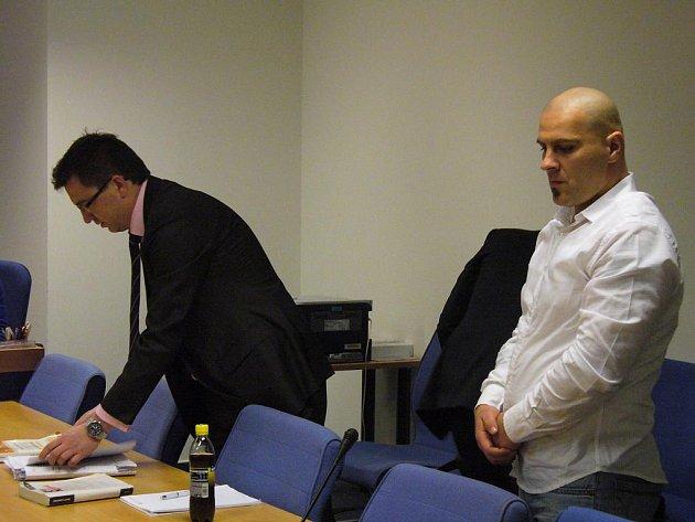 Tomáš Trkan (vpravo) je hlavním obviněným v kauze vyhořelého Filexu. Ilustrační foto