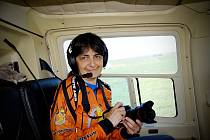 Lidka Polišenská ve vrtulníku při Rohálovské padesátce