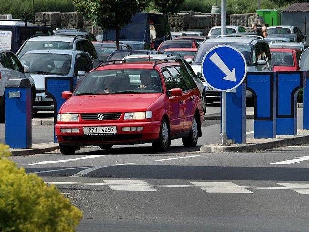 Parkovací brána. Ilustrační foto