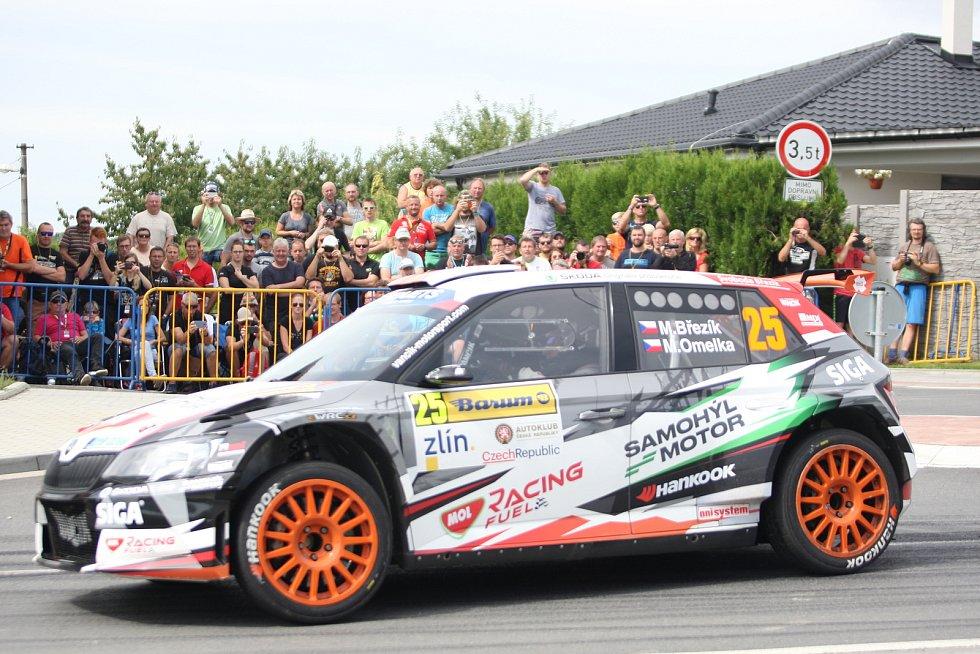 V rámci 49. ročníku Barum Czech Rally Zlín absolvovali v sobotu dopoledne jezdci rychlostní zkoušku Březová. Na snímku Martin Březík.