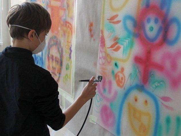 Gymnázium Otrokovice připravilo na sobotu 10. března 2012 první ročník akce zvané GO fest. Návštěvníci shlédli hudební vystoupení, módní přehlídku, animaci nebo se mohli zapojit do výtvarných dílen.