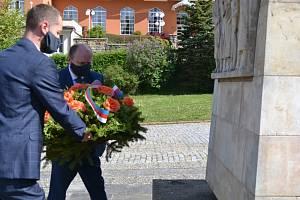 Luhačovice byly osvobozeny před 75 lety, město uctilo památku obětí války