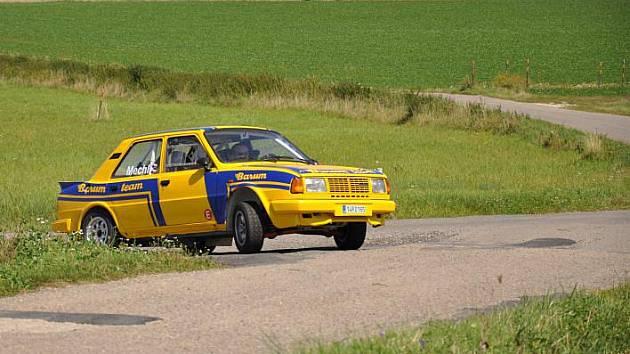 S blížícím se startem jubilejního 40. ročníku nejprestižnější motoristické disciplíny v regionu – zlínské Barum Czech rally, je v okolí Zlína stále častěji slyšet zvuk burácejících závodních vozů.
