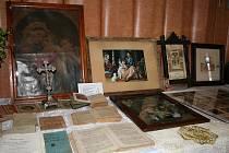 Výstava starých katolických knih a relikvií v Mysločovicích