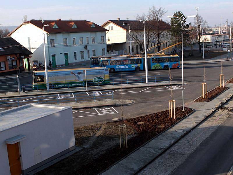 PŘESTUPNÍ TERMINÁL IDS V OTROKOVICÍCH. Projekt, který zainvestovalo město Otrokovice, vyhrál Cenu hejtmana Zlínského kraje.