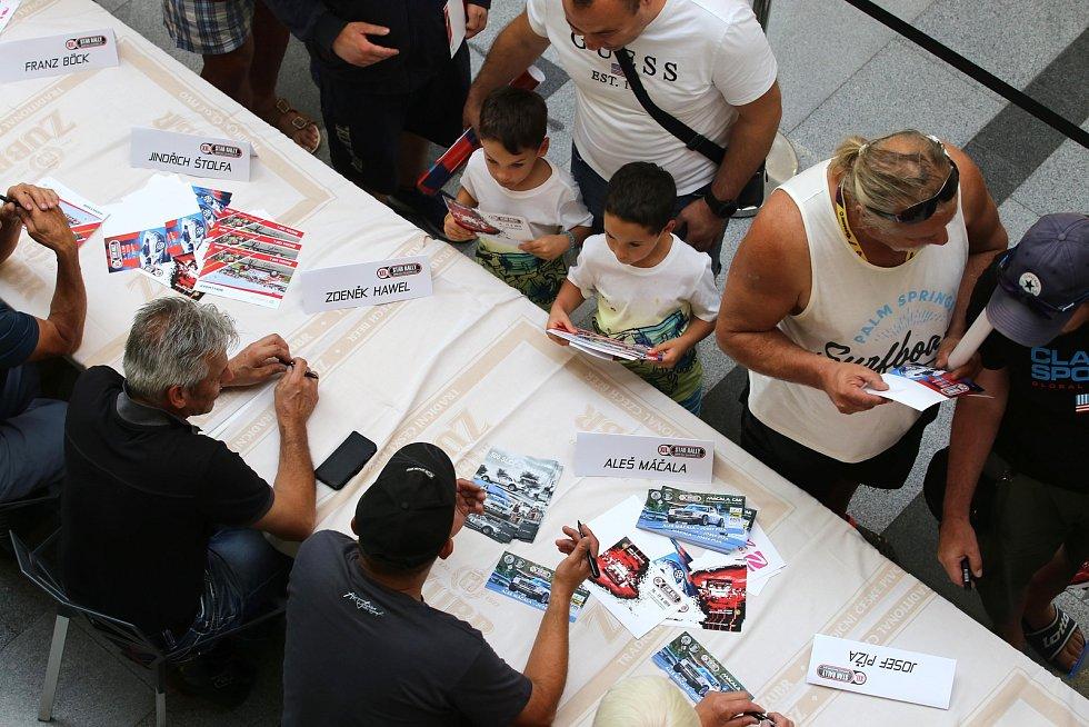 Barum rally 2019  - autogramiáda jezdců v obchodním centru Zlaté jablko