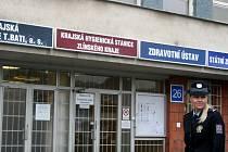 Kriminálka udělala razii v Krajské nemocnici T. Bati.
