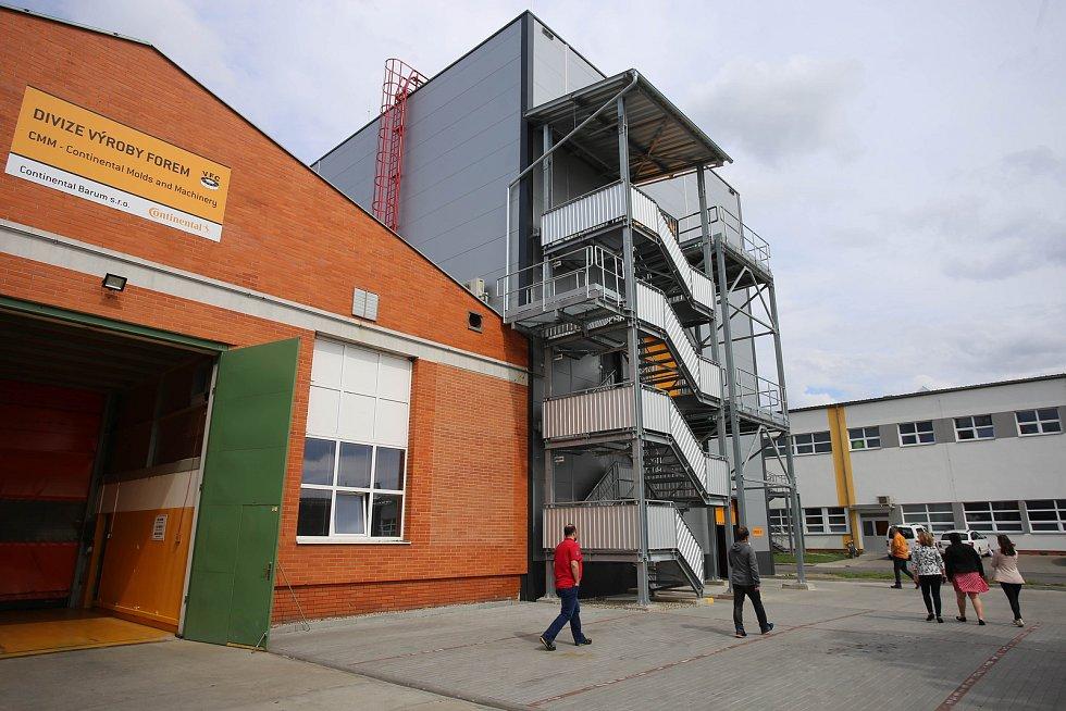 Slavnostní otevření nové přístavby výrobní haly Annex  v Continental Barum v Otrokovicích.Divize výroby forem.