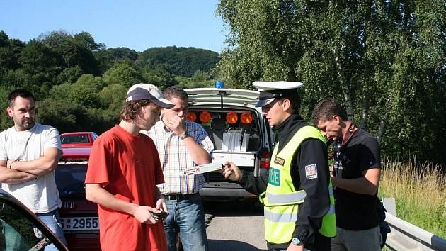 Zlínská policie kontrolovala v pondělí ráno řidiče odjíždějící z rockového festivalu Masters Of Rock.