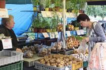 NÁKUP. Lidé tam chodí často na ovoce a zeleninu.