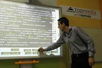 Elektronické testy zavedla základní škola Valašské Klobouky.
