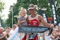 Petr Vabroušek vyhrál sobotní 12. ročník závodu v dlouhém triatlonu Moraviaman. Druhé místo obsadil Slovák Jozef Vrábel , bronz patřil Rudolfu Coganovi z Nové Paky.
