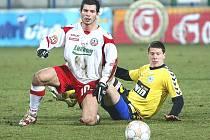 Místo zápasů ve druhé nejvyšší české soutěži se může Martin Vyskočil (v bílém) těšit na Evropskou ligu.