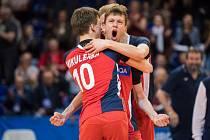 Čeští volejbaloví kadeti zvládli rozhodující utkání zlínské základní skupiny a po výhře 3:1 nad Německem postoupili do semifinále mistrovství Evropy hráčů do 18 let
