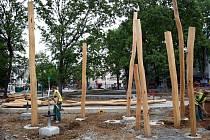 Stavba dětského hřiště parku J.A. Komenského ve Zlíně.