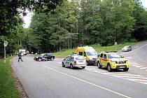 Dopravní nehoda osobního automobilu s motorkářem u Luhačovic.
