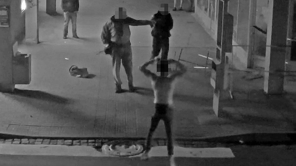 Mladík ve Zlíně si myslel, že je mistr bojových umění. Strážníci ho vyvedli z omylu.