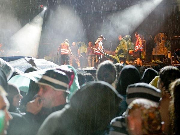 Příznivce Apocalypticy neodradil ani prudký déšť
