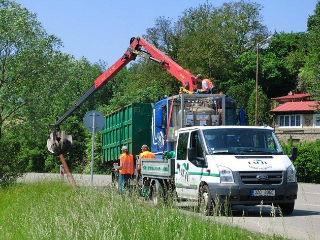Na cestě do Slušovic už řidiče neohrožují zrezivělé lampy