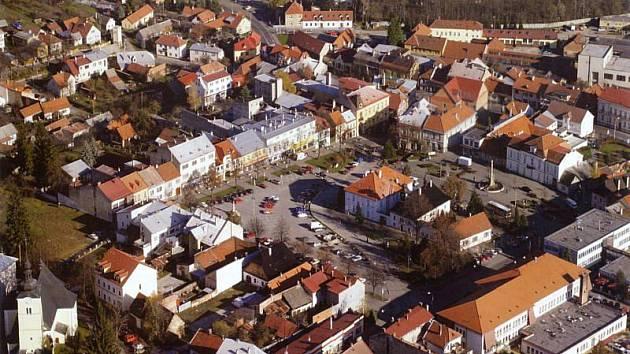 Valašské Klobouky - náměstí.