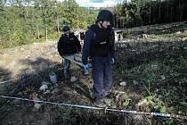 Až v úterý 13. října  2020 skončil zásah v bývalých muničních skladech ve Vrběticích.