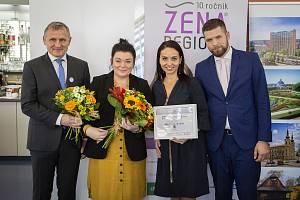 Držitelkou ocenění Žena regionu za Zlínský kraj se stala speciální pedagožka Lenka Ročáková.
