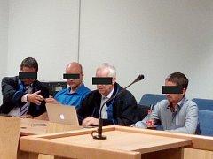 Obžalovaní u krajského soudu ve Zlíně.