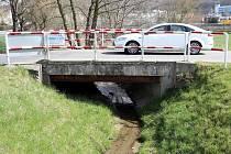 Most přes Chlumský potok v Loukách ve Zlíně.