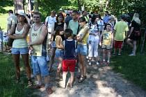 Postrašit své děti opravdovými čarodějnicemi, hejkalem, smrťákem či bílou paní přišli rodiče v sobotu odpoledne na hrad Lukov