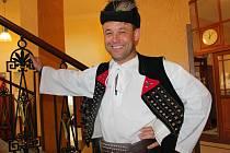Miloš Bobáň je profesionální folklorní hudebník z Terchové (Slovensko). Folklorista je už od svých sedm let.