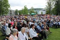 V neděli 18. června 2017 zaplnili park Komenského ve Zlíně věřící ze zlínské farnosti sv. Filipa a Jakuba, aby oslavili významný svátek, tzv. Boží Tělo. Slavnostní mše svatá začala v 10 hodin dopoledne v parkovém altánku. Po ní následovalo požehnání celém