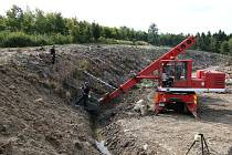 Již pět let probíhá zásah složek IZS po výbuchu muničních skladů ve Vrběticích na Zlínsku.