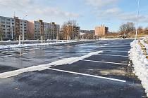 Ve Zlíně otevřeli v prostoru někdejšího staveniště kulturního domu na sídlišti Jižní Svahy nové parkoviště.