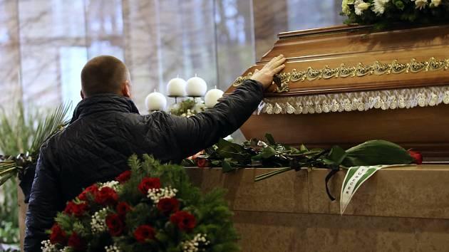 Pohřeb Jiřího Devátého v krematoriu na Lesním hřbitově ve Zlíně.
