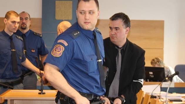Tomáš Křepela u zlínského soudu. Ilustrační foto.