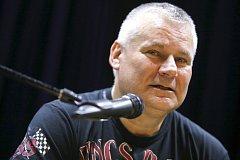 Beseda s Jiřím  Kájínkem v Masters of Rock Café ve Zlíně.