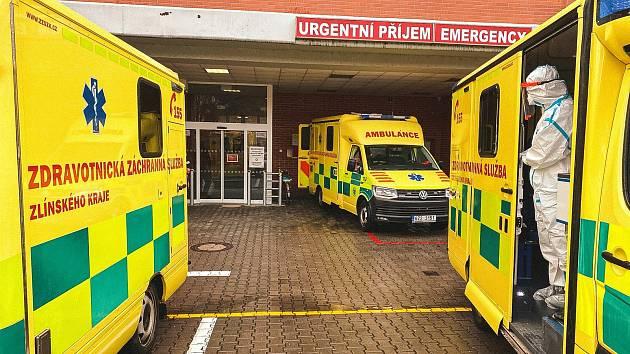 Přesun, který nemá obdoby. Pětice pacientů s covidem ve vážném stavu zamíří do Prahy
