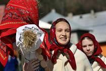 Příchod jara lidé na Zlínsku slaví tradičním lidovým zvykem pálení Moreny. Ilustrační foto