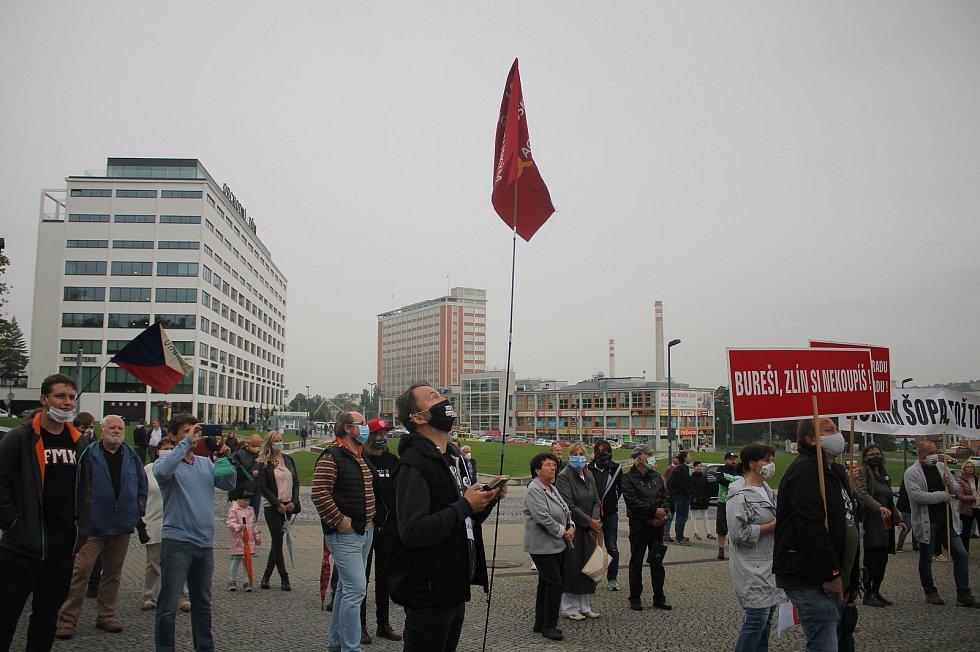 Demonstrace proti premiérovi Andreji Babišovi ve Zlíně - 9. 6. 2020