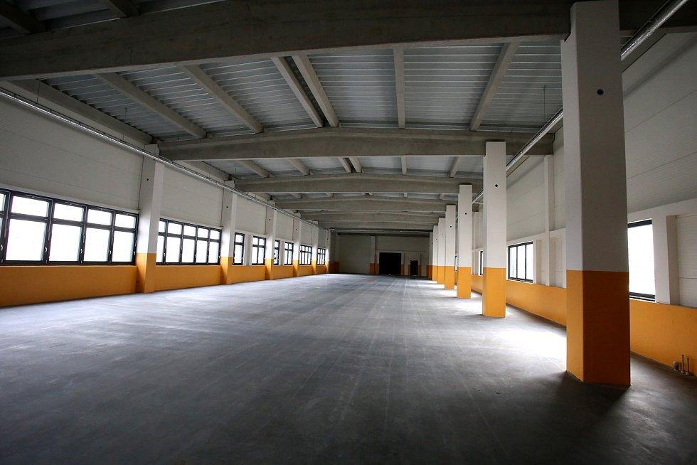 Slavnostní otevření nové přístavby výrobní haly Annex  v Continental Barum v Otrokovicích.Divize výroby forem.Druhé patro. Budoucí místto výroby segmentů forem 3D tiskem.