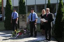 Lidé si připomněli 88. výročí úmrtí Tomáše Bati v Otrokovicích.