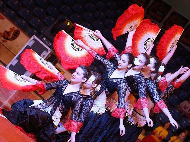 TanceR Cup 2015 FATIMA Otrokovická Beseda: tanec Španělsko -Orientální tanec