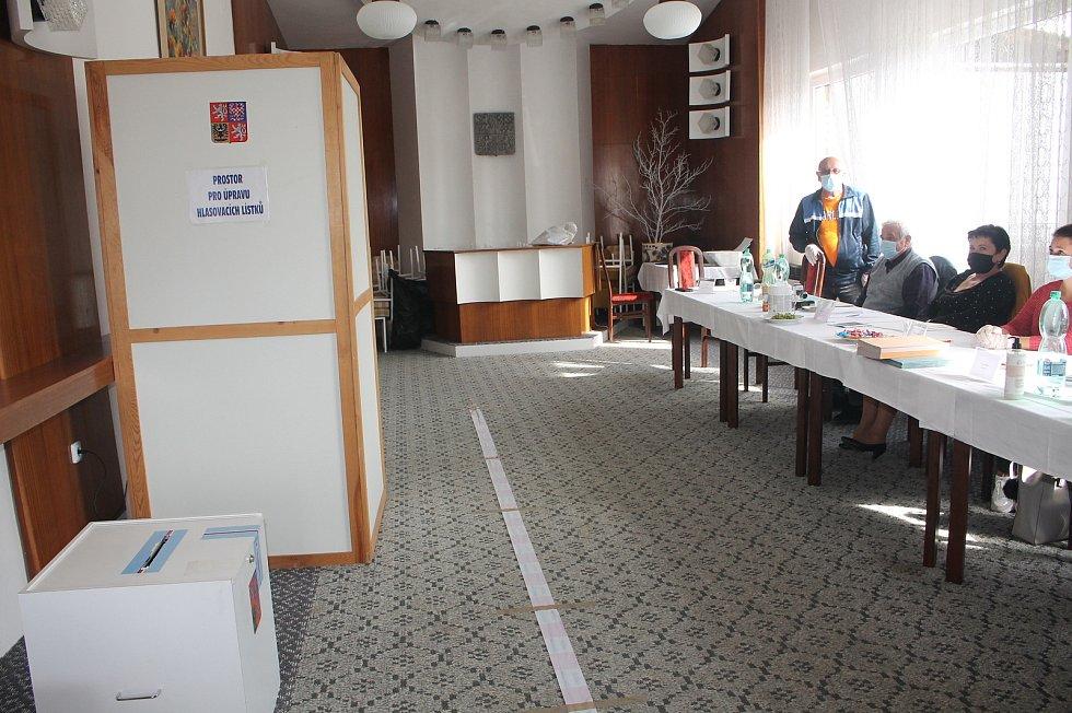 Volby ve Velkém Ořechově na Zlínsku.