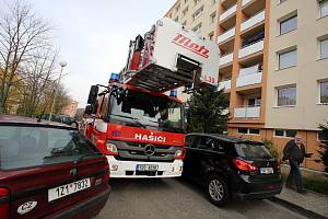 Kondiční cvičení hasičů ve Zlíně.Průjezd městem.
