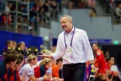 Trenér Jan Bašný nepochybuje, že se české házenkářky na zápas s Norkami dobře připraví.