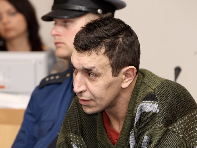 Před soudem. Marek Králík si za pokus o vraždu odsedí deset a půl roku ve vězení.